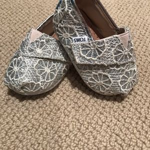 Toddler Size T4 Toms